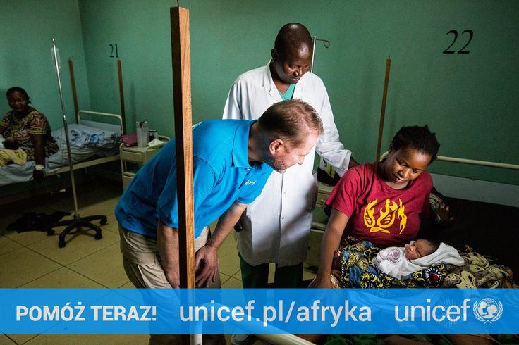Środki zebrane przez UNICEF zostaną przeznaczone między innymi na wyposażenie szpitali, zakup zestawów do bezpiecznych porodów, leków, opatrunków, inkubatorów, zestawów do resuscytacji noworodków i szczepionek przeciwko tężcowi noworodkowemu. Dołącz do Artura Żmijewskiego na https://www.unicef.pl/afryka