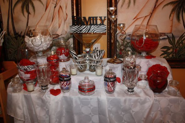 Zebra style candy buffet for your wedding reception.Buffets Mockup, Candy Buffet, Black Weddings, Style Candies, Pink Zebras, Zebras Style, Candies Buffets, Zebras Prints, Desserts Buffets