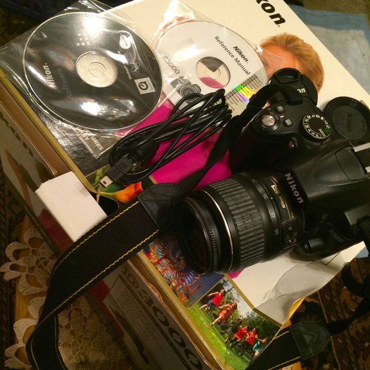 Nikon D 3000 Camera! Needs work! NICE w/Case & Accessories! 10.2 Megapixel $600 #Nikon