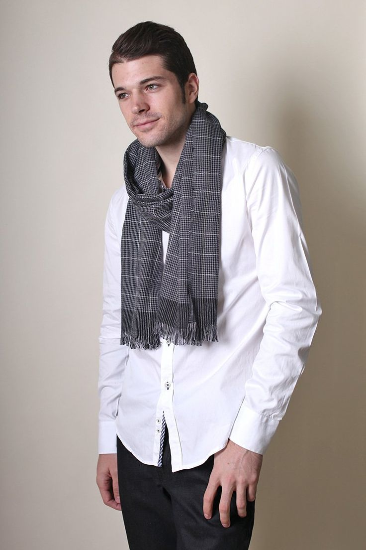 Men's Vincent Black and White Checkered Scarf at Amazon ...