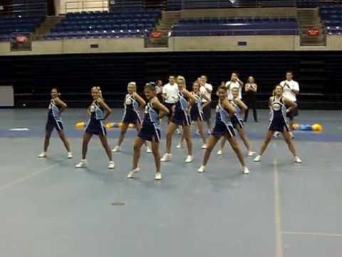 UCA Cheer Camp demo STAFF 2010 - YouTube