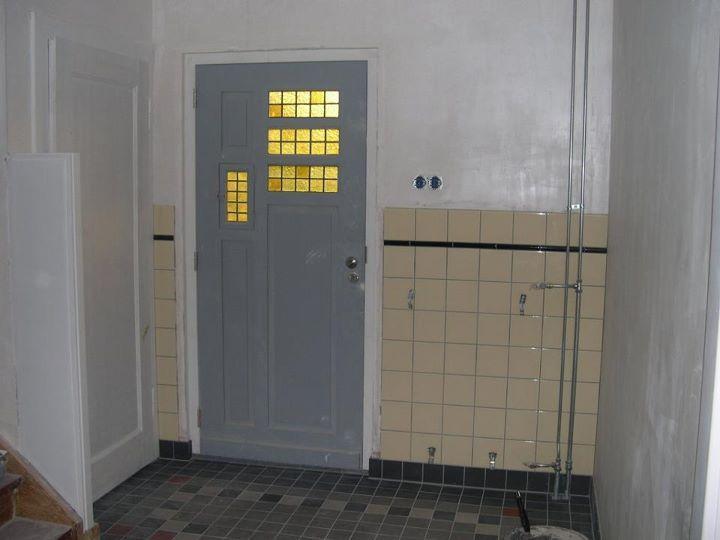 mooie tegeltjes en deur