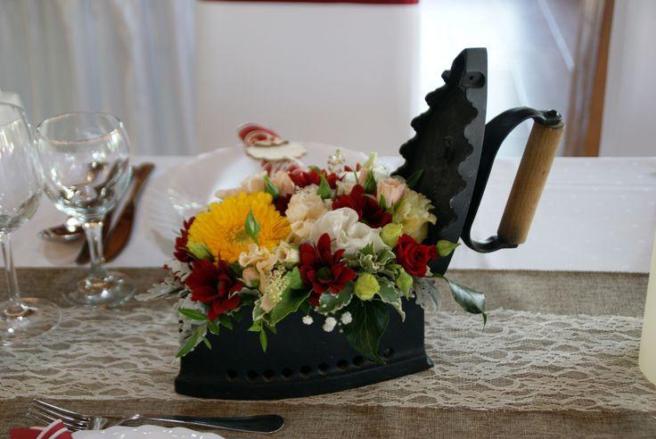 Vintage vasaló asztaldekorűciónak - Vintage iron as a table decoration