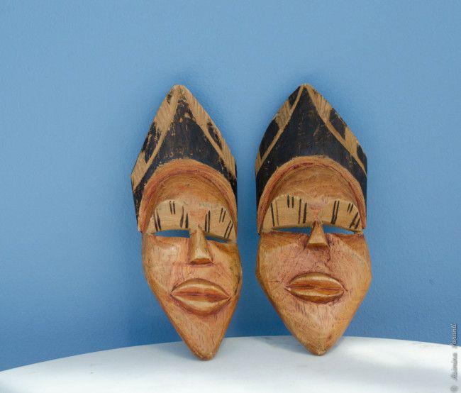 70's African Masks - orange wooden portraits - Über den Traum