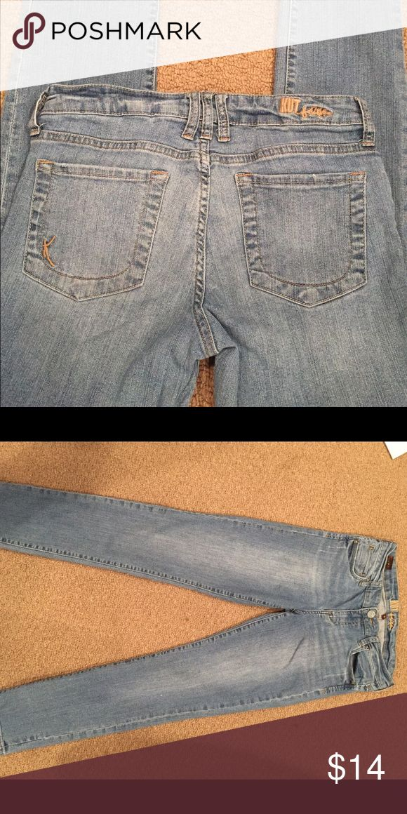KUT jean KUT faded stretch blue skinny jean.  Pre-loved but in very good condition! Kut from the Kloth Jeans Skinny