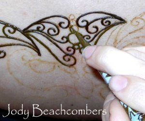 Learn How To Do Henna Tattoos