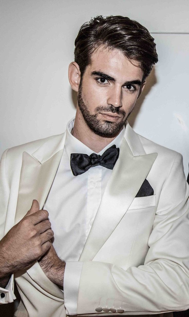 56 best MEN IN TUXEDOS images on Pinterest | Casamento, Ball gowns ...