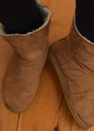 À vendre sur #vintedfrance ! http://www.vinted.fr/chaussures-femmes/bottes/54250142-bottes-fourrees-chaudes-hiver-camel-taille-39