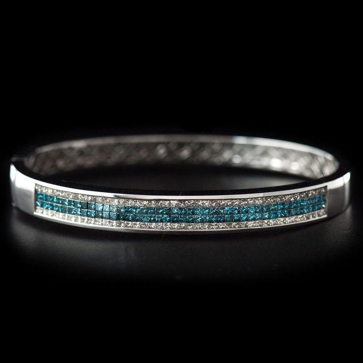 3.00 CT TW Channel Set White & Blue Diamond Hinged Bracelet in White Gold - VS2 #Unbranded