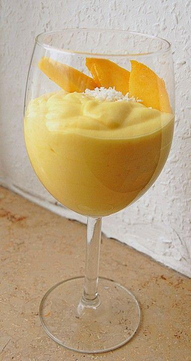 Fruchtig leckere Mangocreme 1   Mango(s), reif   200 ml  Kokosmilch   50 g  Zucker   1 EL  Limettensaft oder Zitronensaft   1 Stängel   Minze, (zum Dekorieren