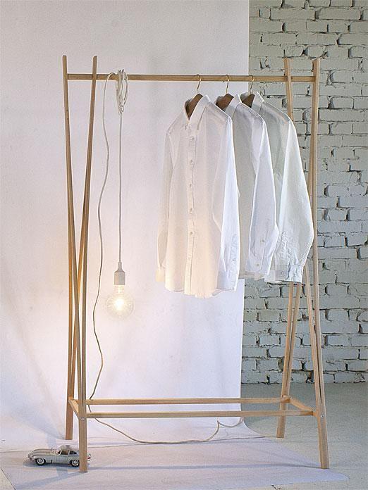 Die besten 17 ideen zu kleiderst nder holz auf pinterest - Kleiderstange selber bauen ...