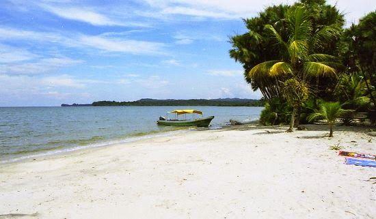 Las playas en la Bahía de Amatique, Guatemala