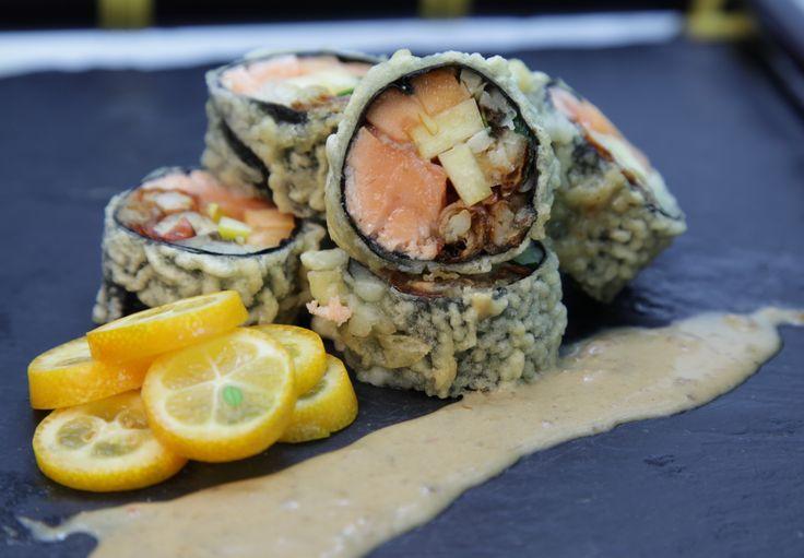 Crispy Salmon with mango - salmon, mango, papaya, mint, crab..fresh and yummy!