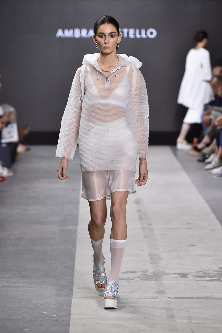 Collection: A.C.A. Fashion Designer: Ambra Castello Event: MilanoModaGraduate by Piattaforma Sistema Formativo Moda e Camera Nazionale della Moda Italiana