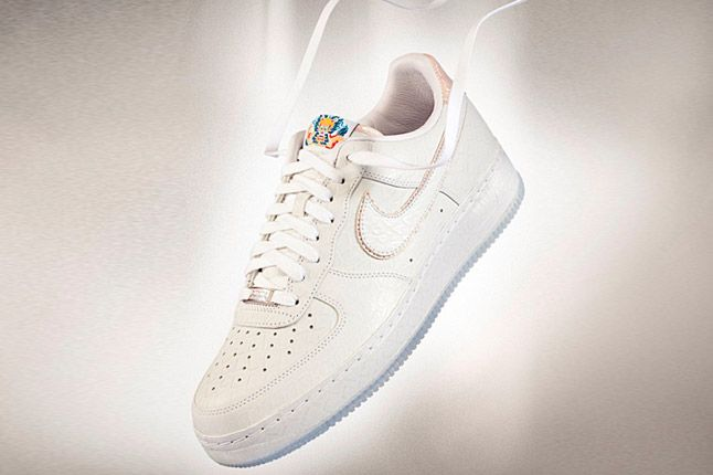 NIKE AIR FORCE 1 YEAR OF THE DRAGON (WHITE DRAGON)