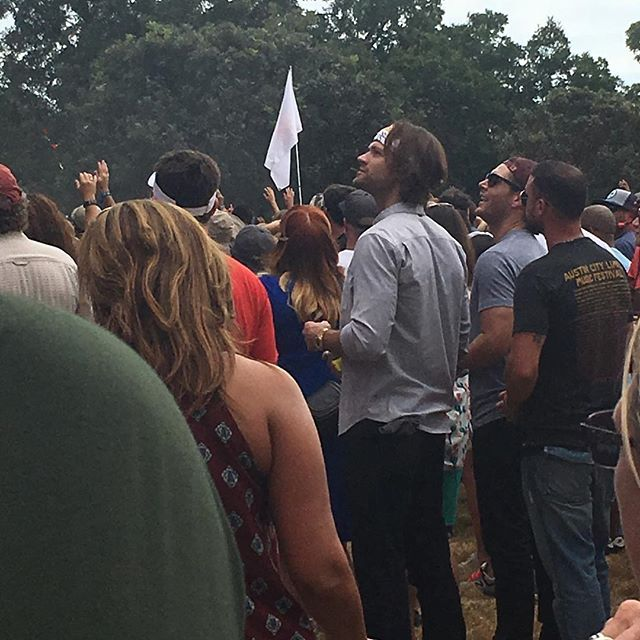 MY BITCH ASS SISTER SAW FUCKING JENSEN ACKELS AND JARED PADALECKI TAKIN A BREAK FROM THEIR DEMON HJNTING AT ACL GOD I HATE HER
