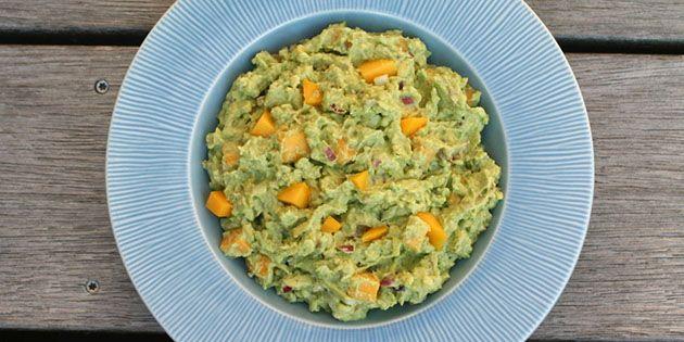 Fantastisk opskrift på guacamole med mango, der giver en dejlig sødme og et friskt pift.