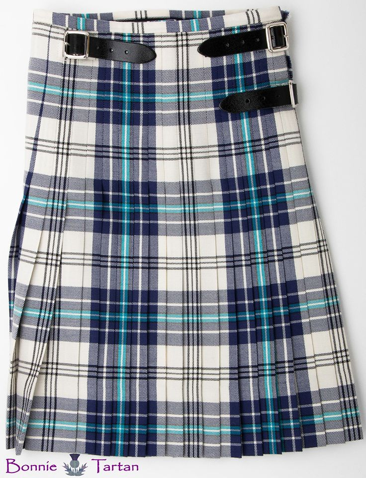 #ThistleMarine kilt (rear view) by #BonnieTartan. All our kilts are made for the growing dancer with a 3.5″ hem and growth pleats tailored into the kilt lasting for many years. 100% pure new #wool, made in #Scotland.