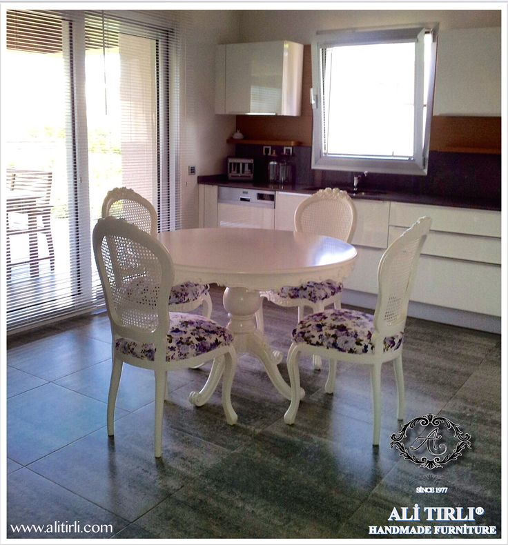 Victoria Mutfak Masası Takımı... www.alitirli.com Victoria Mutfak Masası #mutfakmasası #yemekodasıtakımı #lake #kremlake #polish #cila #varak #interiordesign #color #bydesign #alitirli #mobilya #dekorasyon #furniture #classic #hanmade #decoration #house #housebeatiful #homeart #klasikmobilya #avangard #florya #başakşehir #nişantaşı #etiler #bebek #kemerburgaz #göktürk #beykoz #qatar #ıraq #istanbul #bursa #ankara #izmir #grecee #white #ahşap #eloyması #sanat #dolapdere #beyoğlu #istanbul…