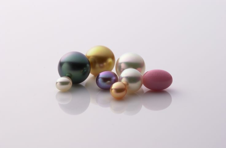The wonderful variety in types of pearls adds to their appeal. These gems of the sea will differ in their luster and mysterious colors depending on the type of oyster that produced them. Here is a guide to understanding their beautiful range of appearances.