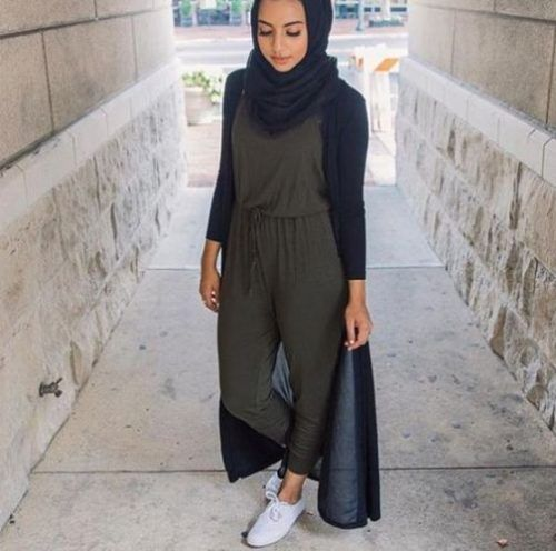 Jumpsuit with cardigan hijab style-Modest Summer Fashion Trends You Need to Follow – Just Trendy Girls