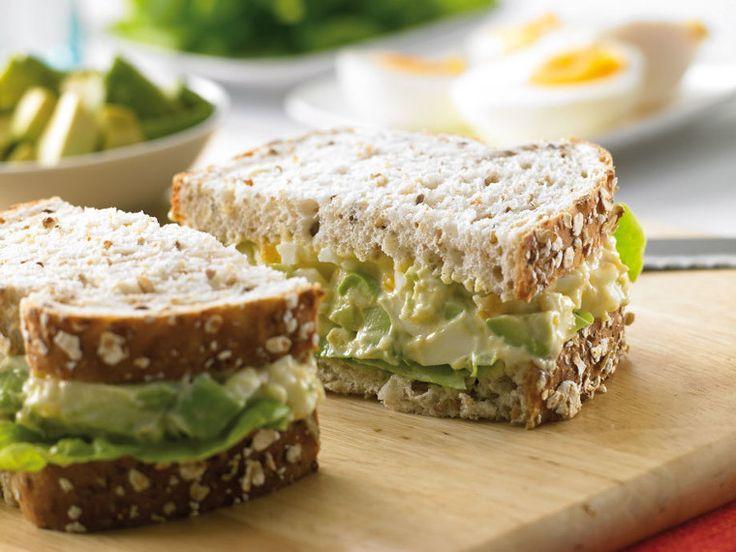 Σάντουιτς με αβοκάντο και αυγό