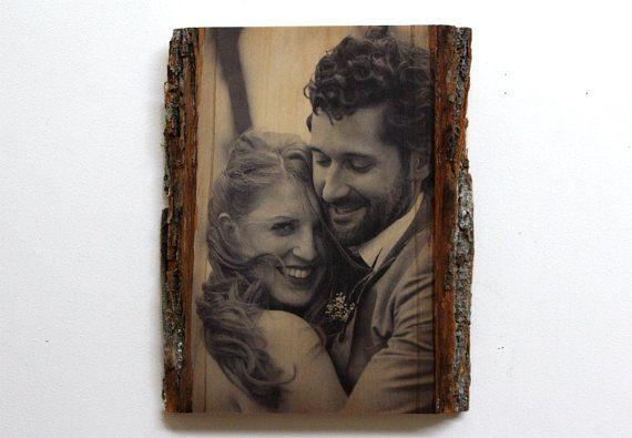 Personalisierte Hochzeitsfoto gedruckt auf natürliche Edge Holz - Custom Photo auf Holz - benutzerdefinierte Hochzeitsgeschenk - angepasst aus Holz Bild