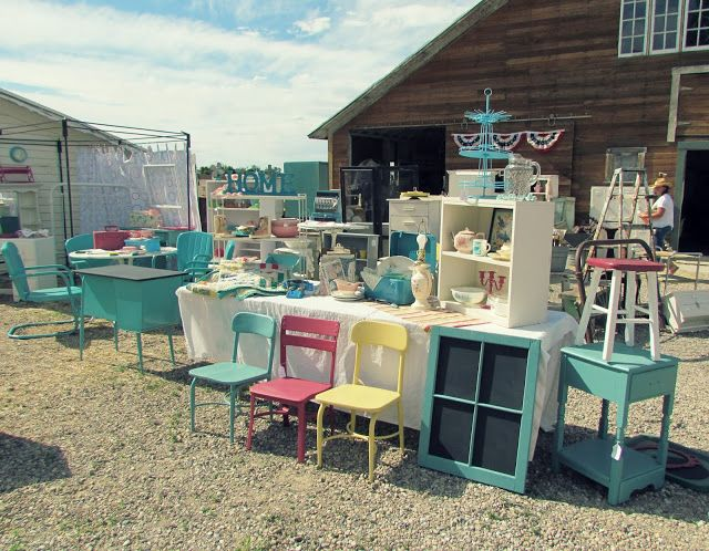This post is a flea market display TUTORIAL!