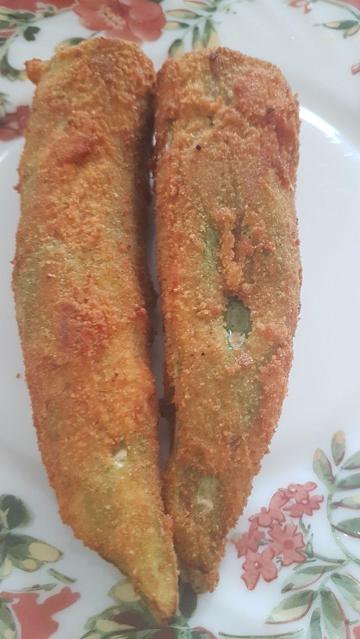 Simple lunch spicy malu miris stuffed #chilli #eatwithleo #malumiris one of my favorite food