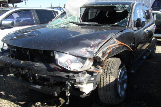 We are Wrecking Mitsubishi triton 2012 Engine No: NA Chassis: NA Year: 2012