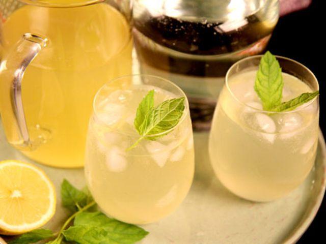 Lemonad med mynta (kock Tommy Myllymäki)