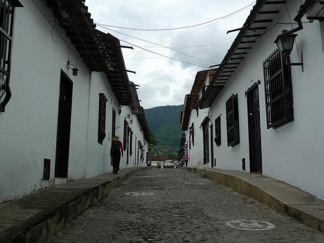 Giron, Colombia Aqui vivo :D giron santander colombia