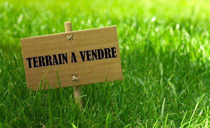 L'agence MY ABITA vous propose un terrain de 1097m² constructible à Talmont Saint Hilaire en Vendée. Ce terrain à bâtir viabilisé (eau, électricité, téléphone, TAT), se situe à 1500 mètres des commerces de Bourgenay, à 10 mns des Sables d'Olonne et libre de constructeur..... Pour visiter, contactez Nathalie VERGNAUD au 06.30.04.01.22