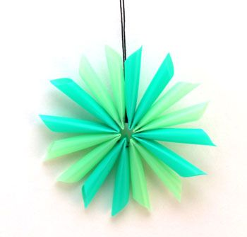 Drinking straw star - inexpensive, fun and easy - make a few, several or a lot of the ornaments.