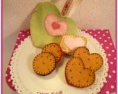 Biscuits en feutrine pour le goûter des poupées