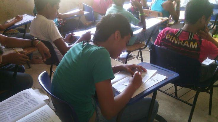 Preparar a los estudiantes del PIVU para el ingreso a la vida universitaria desde los diferentes programas que ofrece la universidad en la región del bajo cauca.