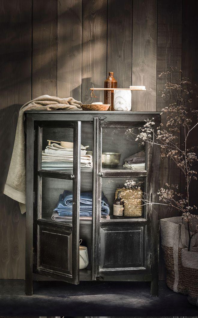 Soldes janvier 2018 : une armoire façon vaisselier pour sublimer votre intérieur
