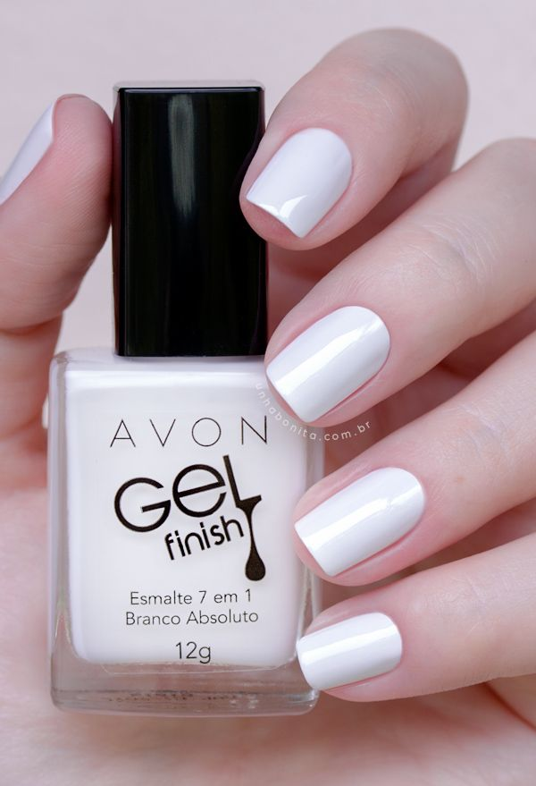 Excelente opcao de cor para o Reveillon. Branco Absoluto da Avon Gel Finish | Swatches by Unha Bonita