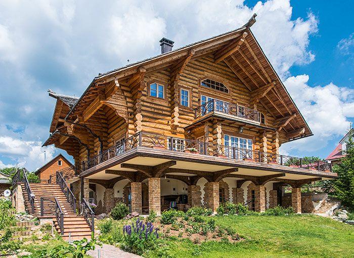 Дом из кедровых бревен большого диаметра | Деревянные дома ручной рубки | Журнал «Деревянные дома»