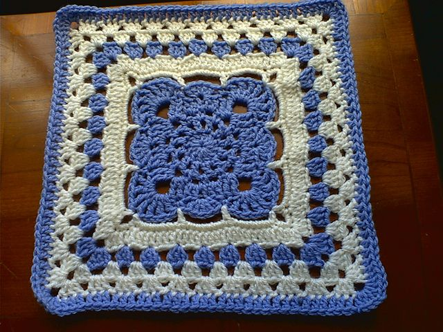 Ravelry : Arches Square ~ free pattern