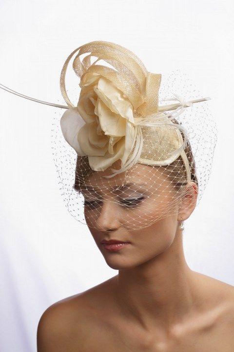 Extravagantná svadobná čelenka s kvetom K7 - Svadobný salón Valery