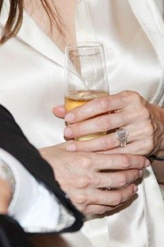 Angelina Jolie's engagement ring designed by jeweller, Robert Procop (and Brad!)
