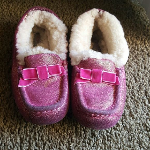 how to clean stinky ugg boots