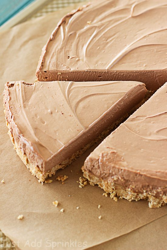 Nutella Pie; the smoothest, silkiest no-bake pie that has a decadent Nutella filling and a thick, buttery graham cracker crust.