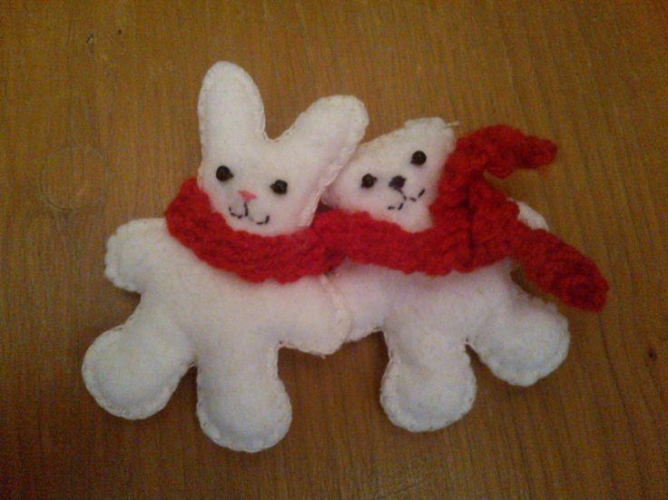 Felted Bear and Rabbit Couple with the red string of fate - Filc maci és nyuszi pár, a sors vörös fonalával.
