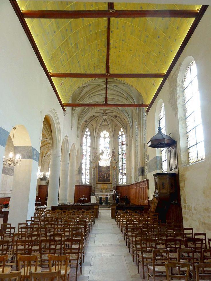 Écouen (95), église Saint-Acceul, nef, vue vers l'est - Église Saint-Acceul d'Écouen — Wikipédia