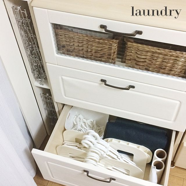 カインズホーム ホワイト 粉もの収納のまとめページ   RoomClip ... カインズホームとホワイトと粉もの収納のインテリア実例. 洗濯用のハンガー ...
