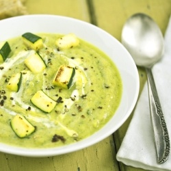 Cream of Courgette Soup: Garlic Zucchini, Courgett Soups, Summer Lighting, Lighting Soups, Courgett Zucchini, Coconut Milk, Zucchini Soups, Roasted Garlic, Lighting Lunches