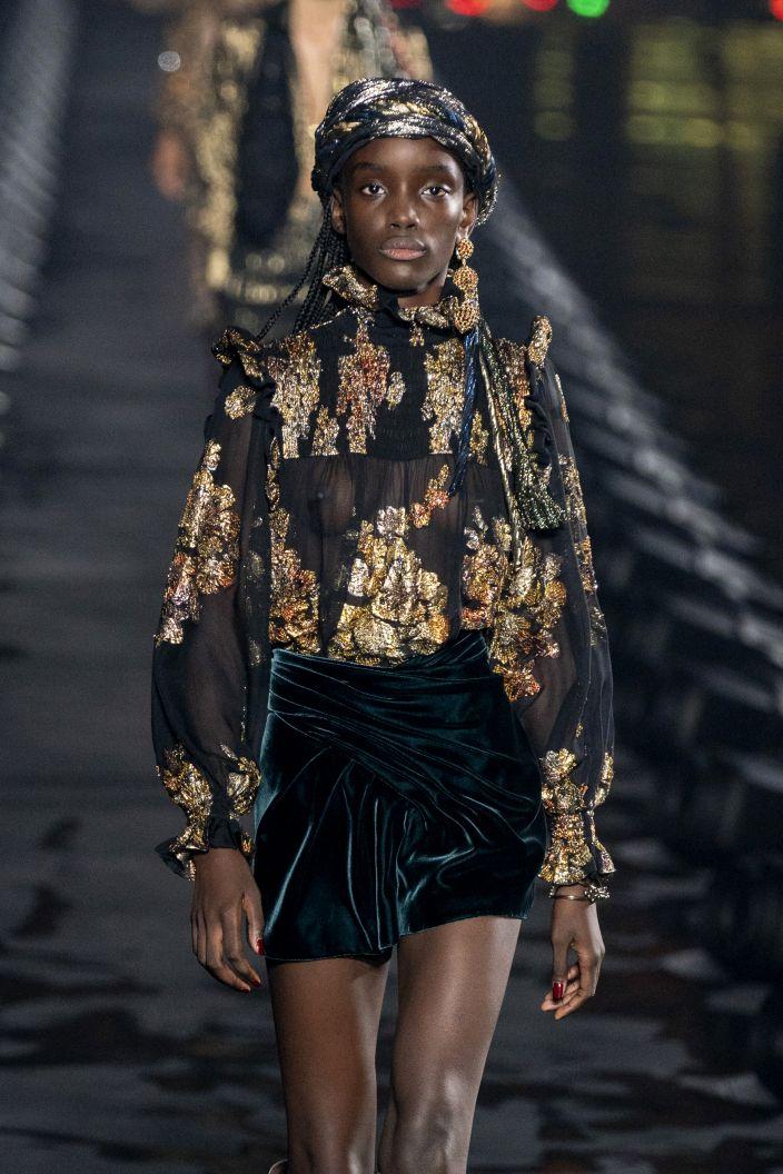 10 Rzeczy Na Wiosne Dzieki Ktorym Stworzysz Kompletna Garderobe Elle Pl Trendy Wiosna Lato 2020 Moda Uroda Modne Fryzury Buty Man Fashion Style Goth