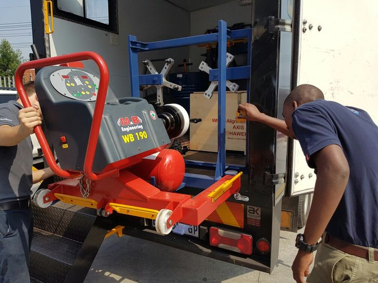 Michelin using M&B Mobile Truck Wheel Balancer